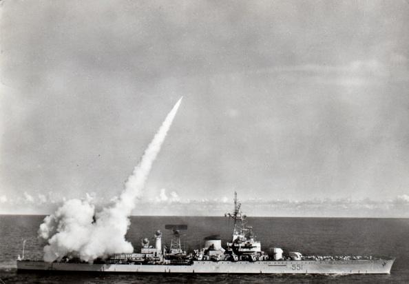 Lancio di un missile Polaris inerte dal Garibaldi